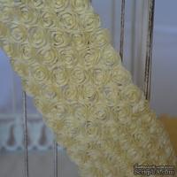 Лента из маленьких розочек, цвет бледно-желтый, 6 рядов цветов, длина 30 см