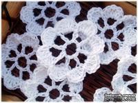 Вязаный цветок ручной работы, цвет белый, 5,5см, 1шт.