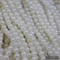 """Бусины """"жемчуг"""" на нити, 135 бусин, цвет белый полупрозрачный, диаметр 6 мм"""