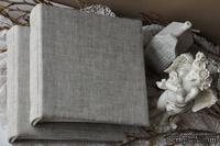 Альбом от Светланы Ковтун в классическом переплете с тканевым покрытием, лен серый, 20х20 см, 5 разворотов, расст. 7 мм