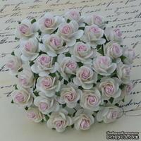 Открытые розочки, цвет белый с нежно-розовой серединкой, диаметр - 15мм, 10 шт.