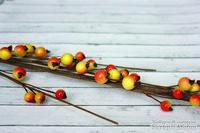 Веточка с красно-желтыми ягодками, средняя, 37см
