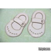 Чипборд Scrapiniec - Обувь босоножки девочки с сердечками и застежкой широкой с прорезями