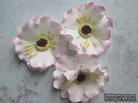 Дикий мак из фоамирана,  диаметр 5 см, цвет белый с розовым, 1 шт.