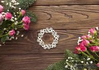 Чипборд от WOODchic - Венок рождественский с звездами, 8х7.7 см