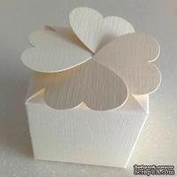 "Подарочная коробочка - ""клевер"", кремовая  merida cream, 58х58х58 мм, 1 шт."
