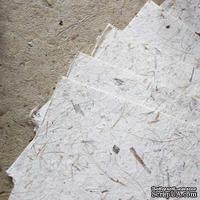 Тутовая бумага, цвет слоновой кости с мелкими и крупными коричневыми травяными вкраплениями
