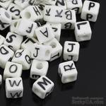 Бусины Алфавит - керамические кубики с буквами, цвет: белый, 10.0мм x 10.0мм, 4.0мм, 20 шт., B31595 - ScrapUA.com